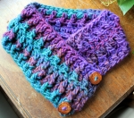 Multi color wool-acrylic cowl